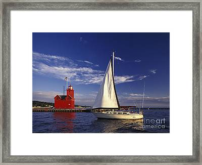 Big Red - Fm000060 Framed Print
