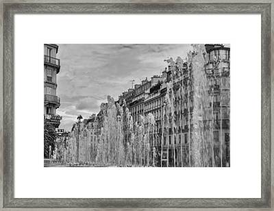 Black And White Fountains In Paris Framed Print by Georgia Fowler