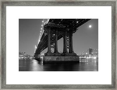 Framed Print featuring the photograph Black And White - Manhattan Bridge At Night by Gary Heller