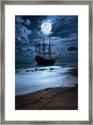 Black Pearl Pirate Ship Landing Under Full Moon Framed Print by Justin Kelefas