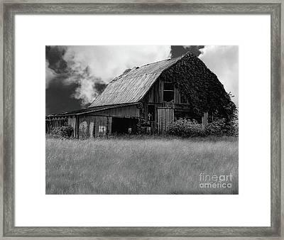 Black White Barn Framed Print