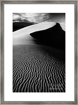 Boundless Dune Ll - Black And White Framed Print by Hideaki Sakurai