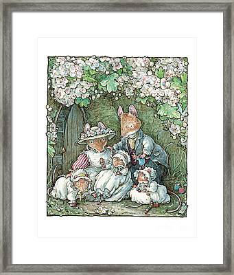 Brambly Hedge - Poppy Dusty And Babies Framed Print
