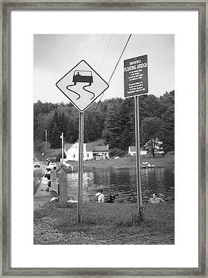 Framed Print featuring the photograph Brookfield, Vt - Floating Bridge 2 Bw by Frank Romeo