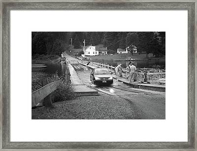 Framed Print featuring the photograph Brookfield, Vt - Floating Bridge 3 Bw by Frank Romeo