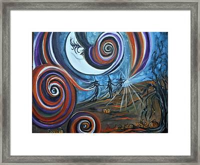Bruja Luna Framed Print