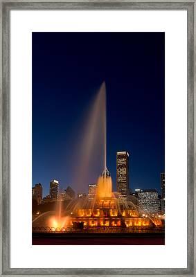 Buckingham Fountain Chicago Framed Print by Steve Gadomski