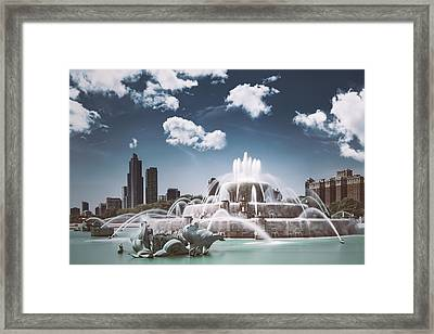 Buckingham Fountain Framed Print by Scott Norris