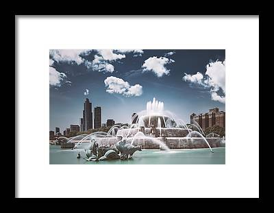 Buckingham Fountain Framed Prints