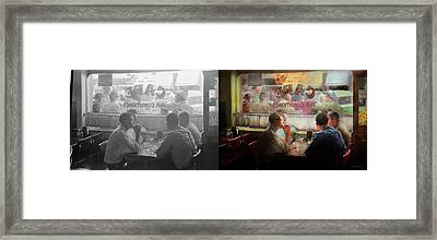 Cafe - Cold Drinks With Friends 1941 - Side By Side Framed Print