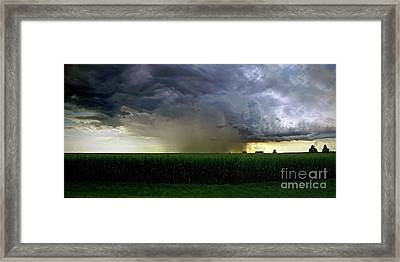 Calm Before The Storm Framed Print by Sue Stefanowicz