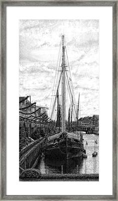 Calm Mooring Framed Print by Dorothy Berry-Lound