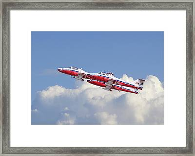 Canadian Air Force Aerobatic Team - Snowbirds Framed Print by Pat Speirs