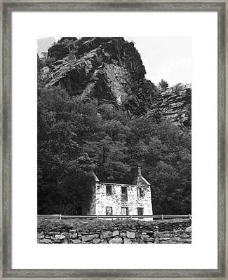 Canal House 33 Framed Print by Michael L Kimble