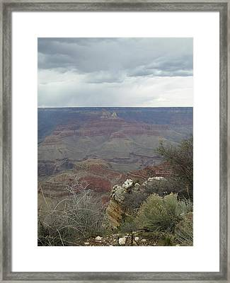 Framed Print featuring the photograph Canyon Edge by Gordon Beck