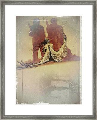Capture Framed Print by Paulo Zerbato