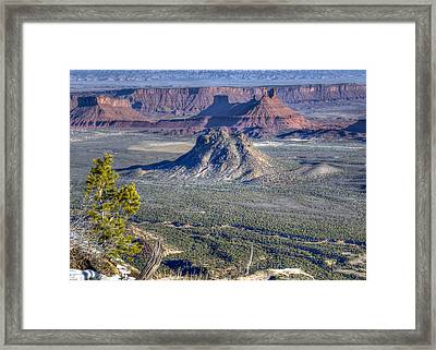 Framed Print featuring the photograph Castle Valley Overlook by Alan Toepfer