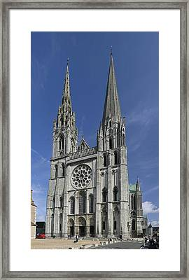 Cathedral Of Chartres Framed Print by Gary Lobdell