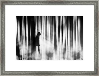 Caught In The Sorrow Framed Print by Stefan Eisele