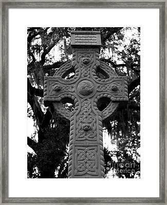 Celtic Cross In Emmet Park Framed Print by Carol Groenen
