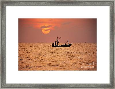 Cha-am, Pink Sunrise Framed Print by Bill Brennan - Printscapes