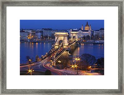 Chain Bridge At Night Framed Print by Romeo Reidl