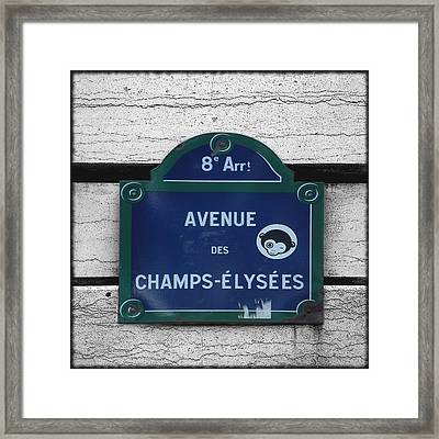 Selective Coloring Framed Print featuring the photograph Champs Elysees by Roberto Alamino