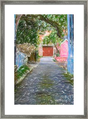 Charleston Sc Alley Framed Print by Dale Powell