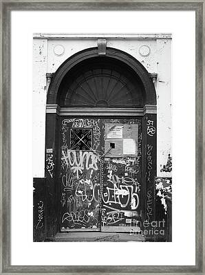 Chelsea Doorway Nyc Framed Print by Edward Fielding