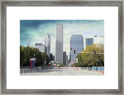 Chicago Marathon The Day Before Textured Framed Print by Thomas Woolworth