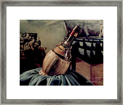 Chicago Pile-1 And Chianti Bottle Framed Print by Science Source