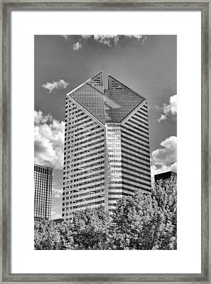 Framed Print featuring the photograph Chicago Smurfit-stone Building Black And White by Christopher Arndt