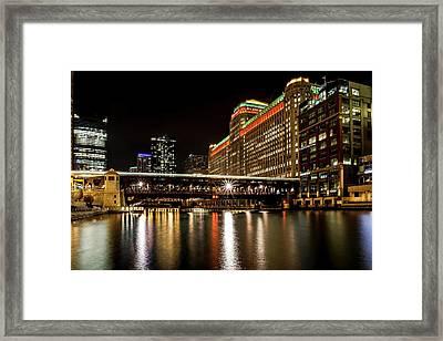 Chicago's Merchandise Mart At Night Framed Print