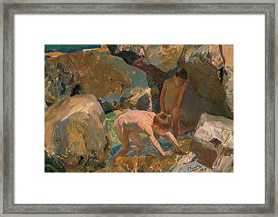 Children Looking For Shellfish Framed Print by Joaquin Sorolla