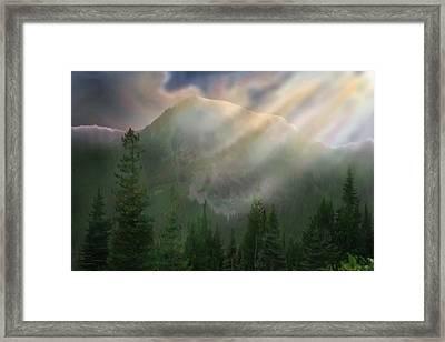 Chinook Vista Framed Print