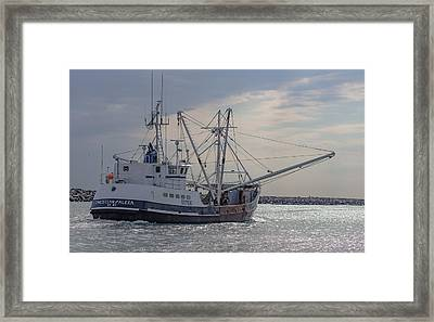 Christian And Alexa Framed Print by Capt Gerry Hare