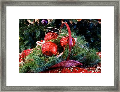 Christmas Centerpiece Framed Print by Vinnie Oakes