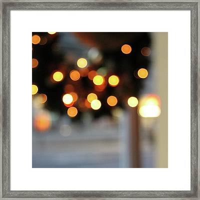 Christmas Wreath- Photography By Linda Woods Framed Print