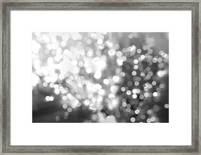Circles 1 Framed Print by Les Cunliffe