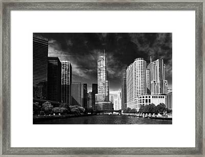 City - Chicago Il - Trump Tower Bw Framed Print by Mike Savad