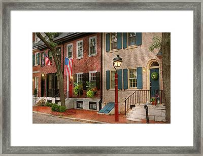 Framed Print featuring the photograph City - Pa Philadelphia - American Townhouse by Mike Savad