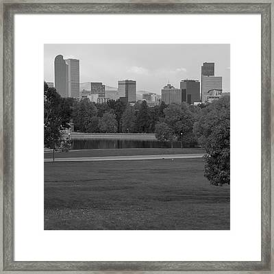 City Park And Denver Colorado Skyline - Black And White Framed Print