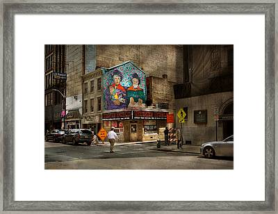 City - Pittsburg, Pa - Wiener World Framed Print