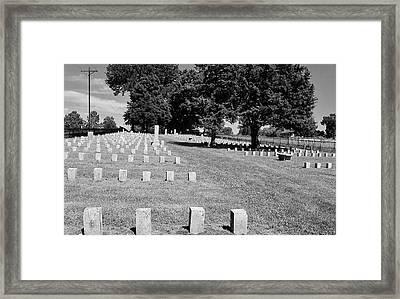 Civil War Soldiers In Franklin Framed Print