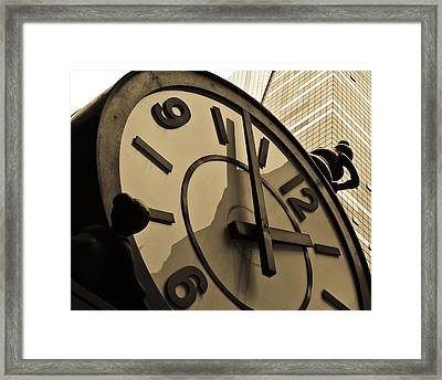 Clock Framed Print by Roberto Bravo