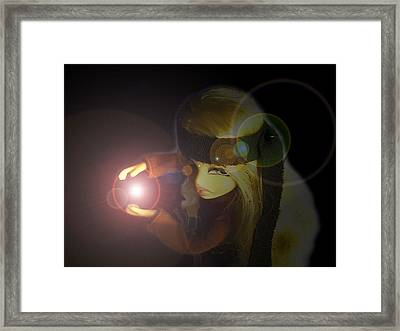 Cloes Kamehameha Wave Framed Print by Gary Eakin