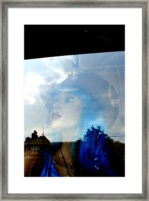 Closing In The Day Framed Print by Jez C Self