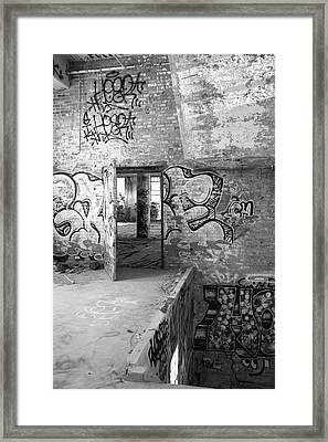 Clothcraft In Black And White Framed Print