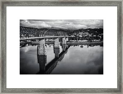 Cloudy Morning At The Walnut Street Bridge In Black And White Framed Print