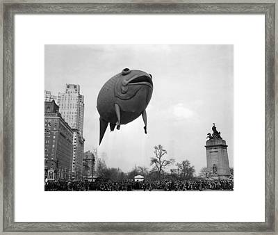 Columbus Circle The Macys Thanksgiving Framed Print